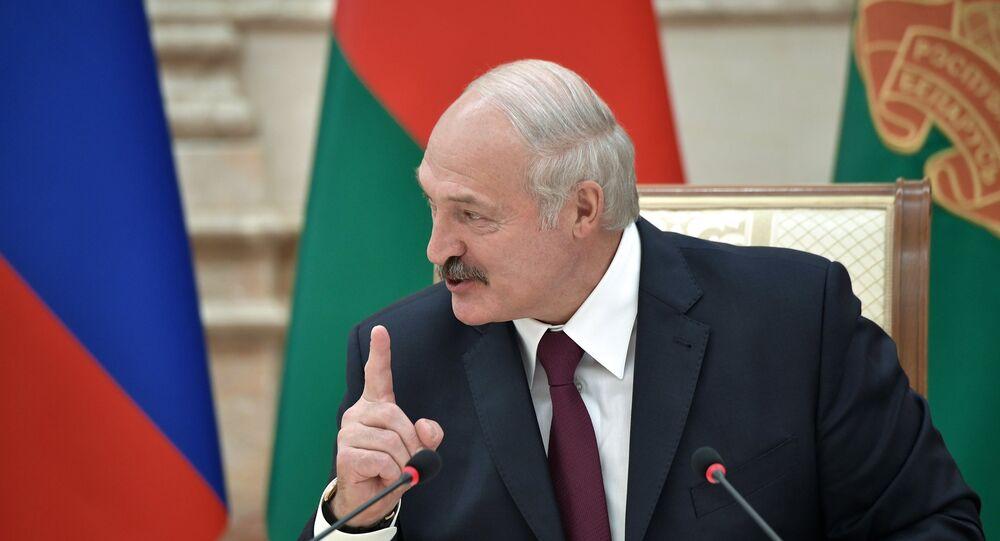 1000 detenidos en las protestas contra la reelección de Alexandr Lukashenko — Bielorrusia