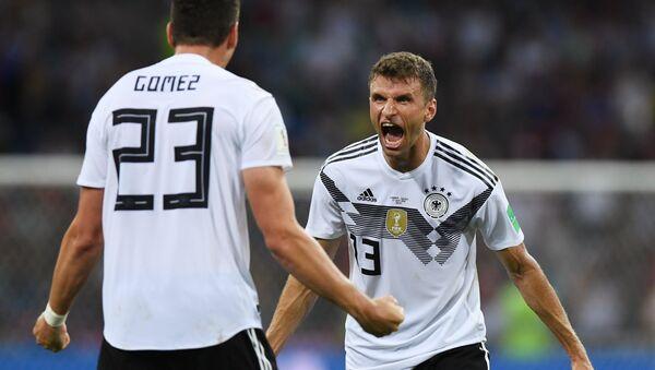 Los jugadores de la selección Alemana reaccionan a su victoria - Sputnik Mundo