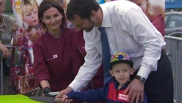 ¡No le corten las piernas!, los rusos prueban el sabor de 'Messi' - Sputnik Mundo