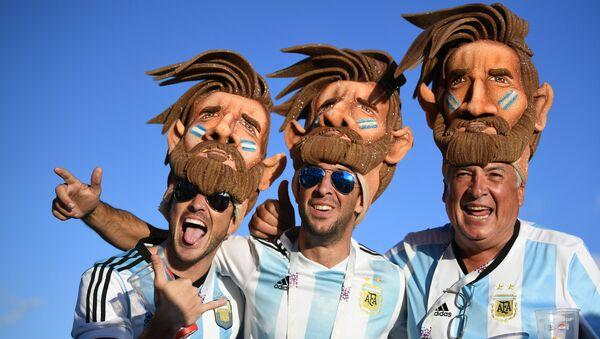 Los hinchas argentinos - Sputnik Mundo