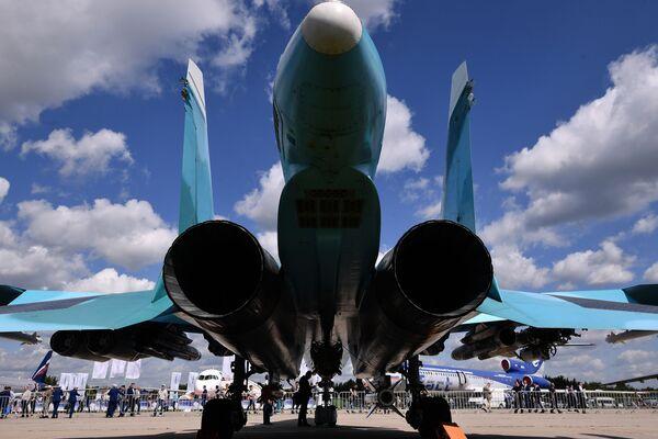Su-34: el patito infernal reconocido como la máquina más temible del mundo - Sputnik Mundo