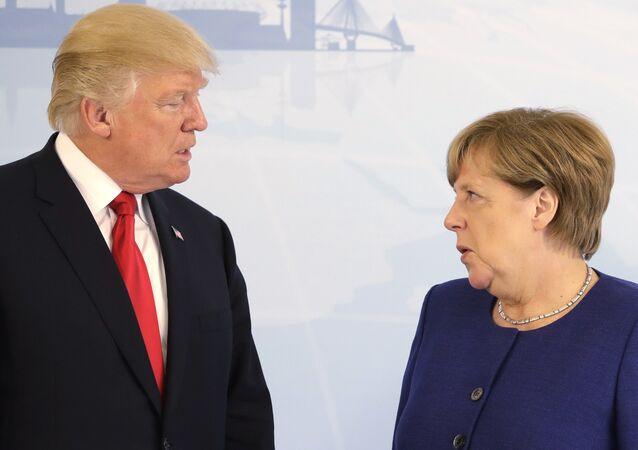 El presidente de EEUU, Donald Trump, y la canciller de Alemania, Angela Merkel (archivo)