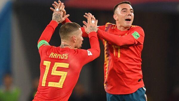 Sergio Ramos y Iago Aspas después del partido de la fase de grupos del Mundial entre las selecciones nacionales de España y Marruecos - Sputnik Mundo