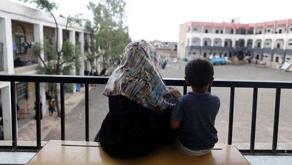 Niños desplazados en Yemen - Sputnik Mundo