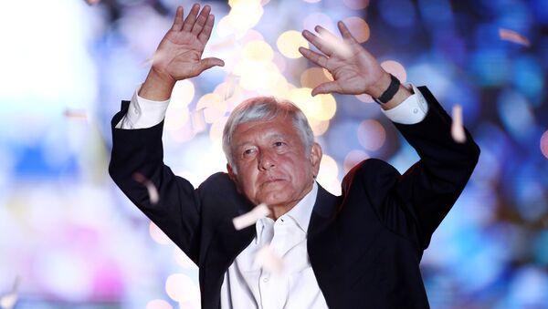 Andrés Manuel López Obrador, el candidato mexicano de izquierda para la presidencia de país - Sputnik Mundo
