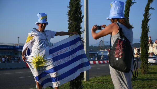 Hinchas uruguayos en Sochi - Sputnik Mundo