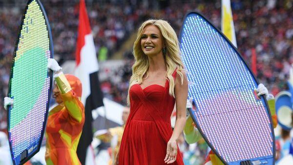 Viktoria Lopiriova, embajadora de la Copa Mundial de la FIFA Rusia 2018, durante la apertura del Mundial - Sputnik Mundo
