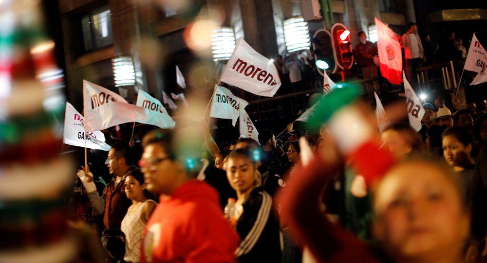 Partidarios de Andrés Manuel López Obrador, el presidente electo de México