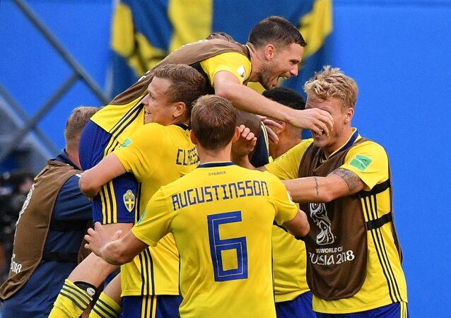 La selección de Suecia tras su victoria ante Suiza