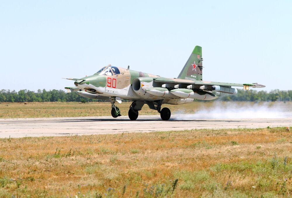 Rusia da una cálida bienvenida a sus pilotos regresados de Siria