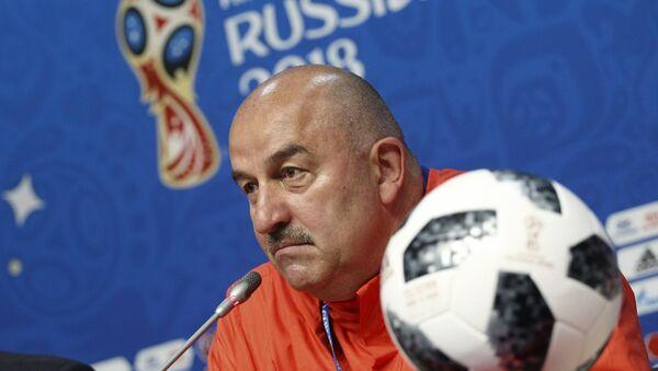 Stanislav Cherchésov, técnico de la selección rusa - Sputnik Mundo