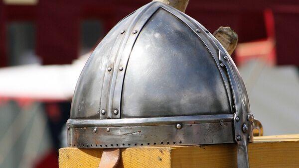 Un casco de vikingo - Sputnik Mundo