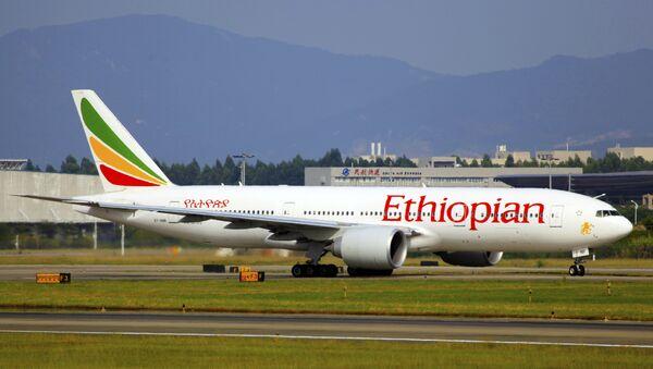 Un avión de Ethiopian Airlines - Sputnik Mundo