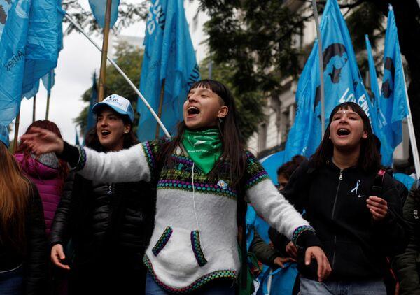 La multitudinaria protesta en Buenos Aires contra el FMI, en imágenes - Sputnik Mundo