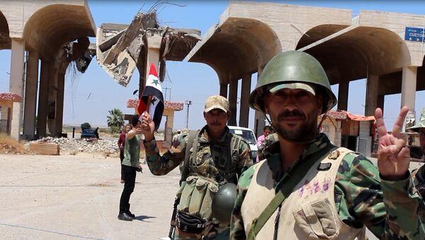 Soldados del Ejércrito sirio en Deraa - Sputnik Mundo