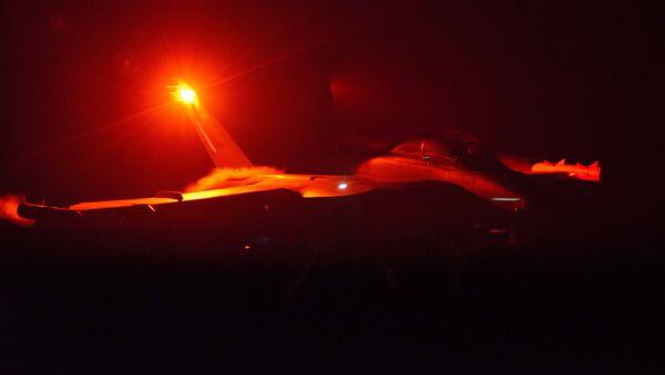 Un avión militar (imagen referencial) - Sputnik Mundo