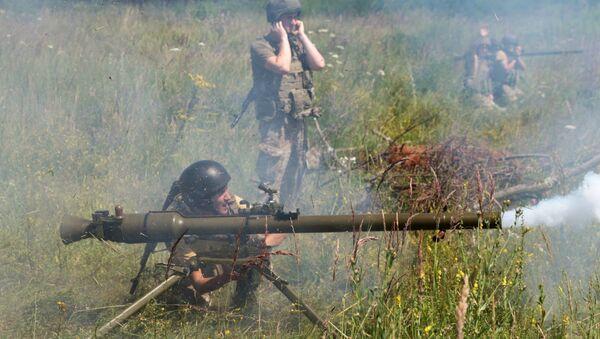 Prácticas de tiro con el lanzagranadas soviético SPG-9 (archivo) - Sputnik Mundo