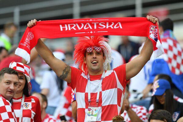 Un hincha de Croacia durante el Mundial de Rusia - Sputnik Mundo