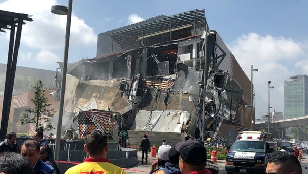 Edificio caído en México - Sputnik Mundo