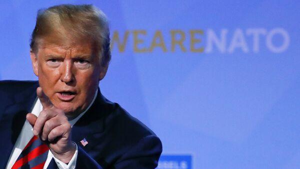 Donald Trump, presidente de EEUU, durante la cumbre de la OTAN - Sputnik Mundo