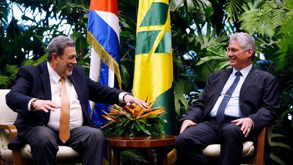 El primer ministro de San Vicente y las Granadinas, Ralph Gonsalves, y el presidente de Cuba, Miguel Díaz-Canel - Sputnik Mundo