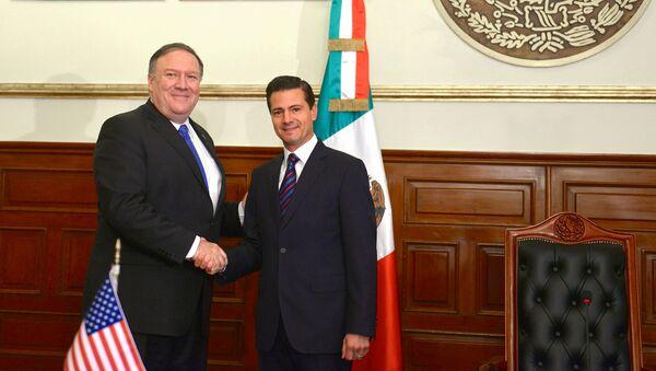 El secretario de Estado de EEUU, Mike Pompeo y el presidente de México, Enrique Peña Nieto - Sputnik Mundo