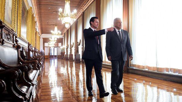 El presidente saliente de México, Enrique Peña Nieto, y quien será su sucesor a partir del 1 de diciembre, Andrés Manuel López Obrador - Sputnik Mundo