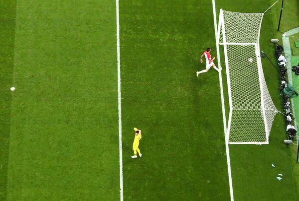 Mario Mandzukic anota el segundo gol de Croacia en la final del Mundial de Rusia - Sputnik Mundo