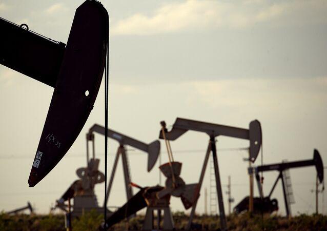 Instalaciones para extraer petróleo en EEUU