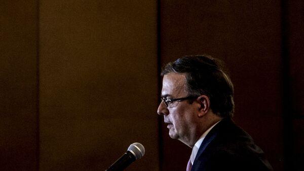 Marcelo Ebrard, futuro secretario de Relaciones Exteriores, ofrece conferencia de prensa tras la reunión con la delegación del Gobierno estadounidense encabezada por Mike Pompeo, secretario de Estado - Sputnik Mundo