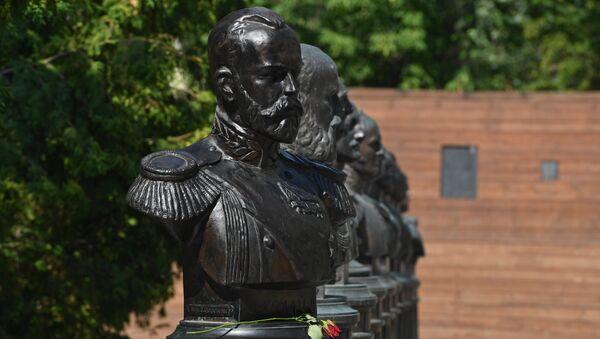 Un monumento de Nicolás II, el último tsar ruso - Sputnik Mundo