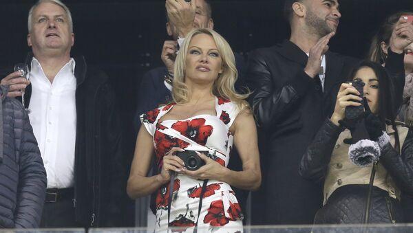 Pamela Anderson, actriz estadounidense - Sputnik Mundo