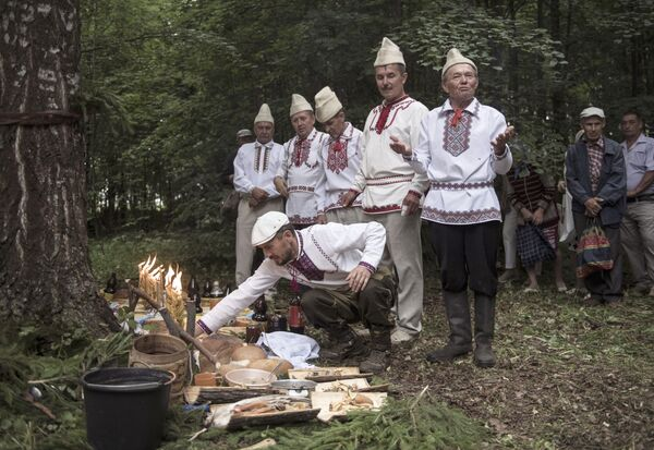Los últimos paganos de Europa: costumbres y tradiciones del pueblo mari - Sputnik Mundo