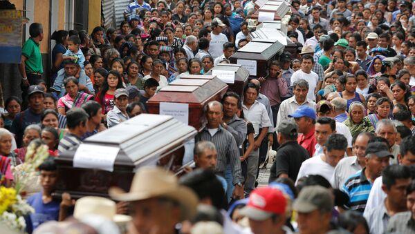 Víctimas de la erupción del Volcán de Fuego en Guatemala - Sputnik Mundo