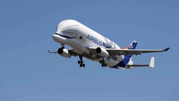 Un avión Airbus A330-700, conocido como Beluga XL - Sputnik Mundo