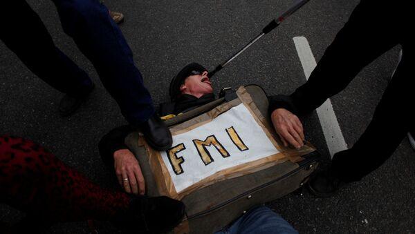 Una protesta contra el FMI en Argentina, el 9 de julio de 2018. - Sputnik Mundo