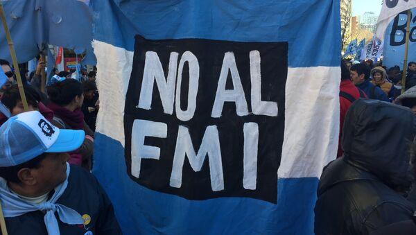 Manifestación contra el FMI y el ajuste en Argentina - Sputnik Mundo