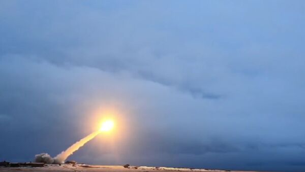 La prueba del misil de crucero Burevestnik - Sputnik Mundo