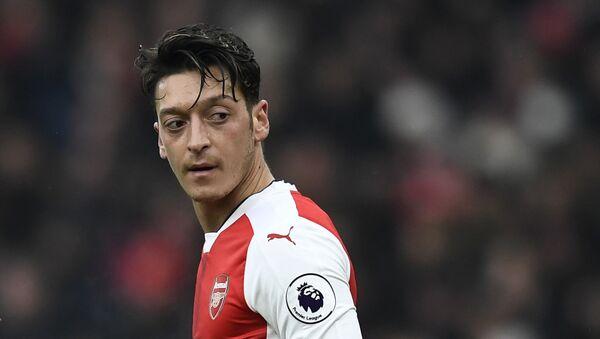 Mediocampista del FC Arsenal, Mesut Ozil - Sputnik Mundo