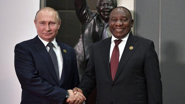 Los presidentes de Rusia y Sudáfrica, Vladímir Putin y Cyril Ramaphosa - Sputnik Mundo
