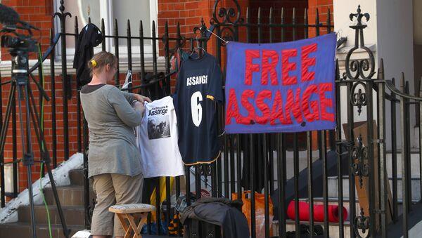 La embajada de Ecuador en el Reino Unido donde se encuentra Julian Assange - Sputnik Mundo