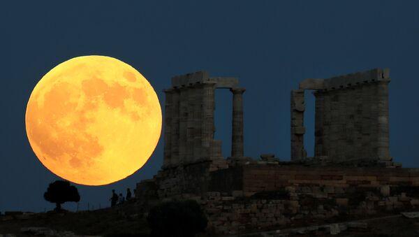 Eclipse lunar visto desde Grecia - Sputnik Mundo