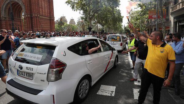 Un taxi madrileño - Sputnik Mundo