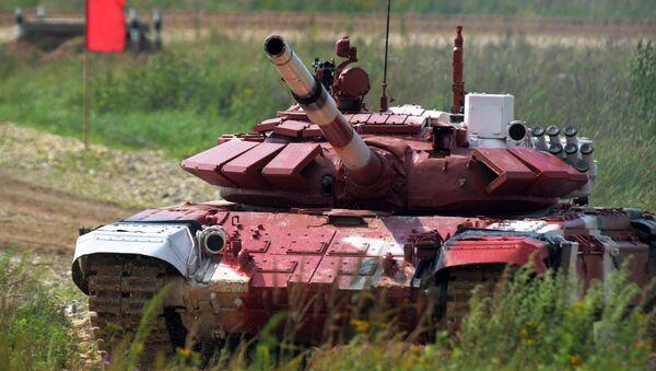 Biatlón de tanques - Sputnik Mundo