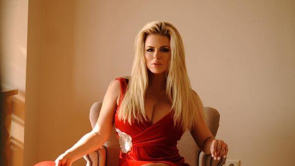 Anna Semenovich, la actriz y cantante rusa - Sputnik Mundo