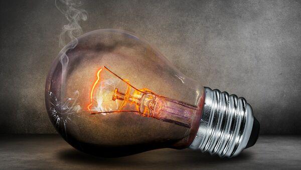 Una lámpara eléctrica - Sputnik Mundo