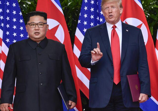 El líder norcoreano, Kim Jong-un, y el presidente de EEUU, Donald Trump (archivo)