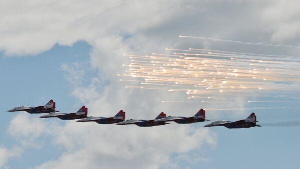 Cazas Su-30SM en el Aviadarts 2017 (archivo) - Sputnik Mundo