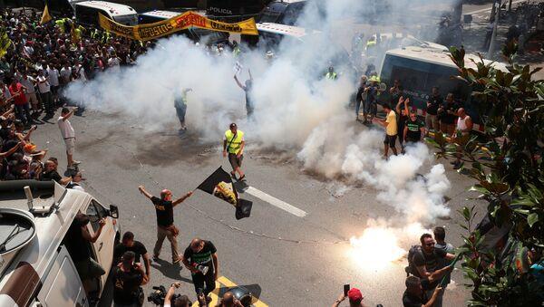 Huelga de taxistas en Barcelona, España - Sputnik Mundo