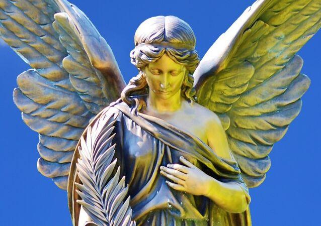 Un ángel, imagen referencial